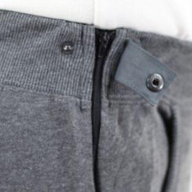 Pantalón hombre adaptado detalle